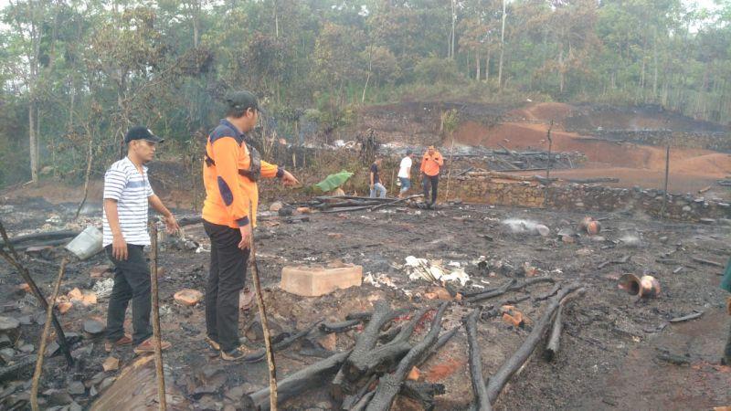 https: img.okezone.com content 2021 10 13 340 2485901 kebakaran-melanda-16-rumah-di-permukiman-suku-badui-lpYgFg1R5h.jpg