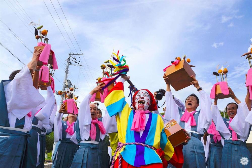 https: img.okezone.com content 2021 10 13 406 2485794 mengenal-festival-nyu-matsuri-pesta-tertawa-untuk-menghibur-dewa-agar-bawa-hoki-wDo5vMUBSK.jpg