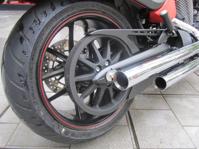 https: img.okezone.com content 2021 10 13 53 2485599 dear-bikers-ini-7-cara-sederhana-merawat-ban-motor-agar-tetap-awet-AlASbbFKDb.jpg