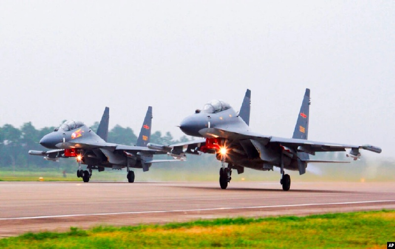 https: img.okezone.com content 2021 10 14 18 2486077 china-latihan-militer-dekat-taiwan-untuk-bela-kedaulatan-negara-Ml5HIVqRxr.jpg