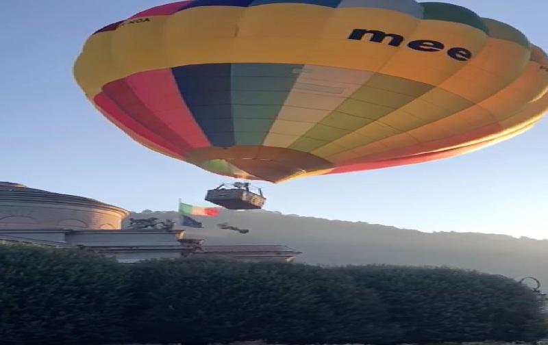 https: img.okezone.com content 2021 10 14 18 2486208 balon-udara-penuh-turis-jatuh-tabrak-kuil-terkenal-YHTpoZHZGh.jpg