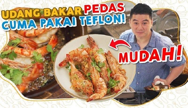 https: img.okezone.com content 2021 10 14 298 2486111 mudah-lezat-intip-resep-udang-bakar-pedas-teflon-ala-chef-arnold-poernomo-4HUdA193Ue.jpg
