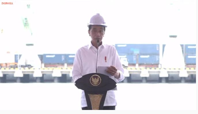 https: img.okezone.com content 2021 10 14 320 2486176 pamer-terminal-wae-kelambu-pelabuhan-labuan-bajo-presiden-jokowi-bisa-dipakai-20-tahun-5CF9OeFw0y.png
