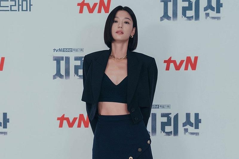 Promosi Drama Jirisan, Perut Berotot Jun Ji Hyun Curi Perhatian : Okezone Celebrity