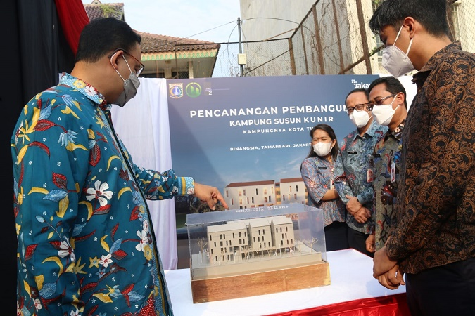https: img.okezone.com content 2021 10 14 338 2486326 anies-resmikan-pembangunan-kampung-susun-kampung-kunir-jakbar-vkn7Ffx7Sa.jpg