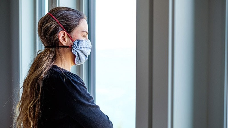 https: img.okezone.com content 2021 10 14 481 2485989 penyebab-perempuan-lebih-rentan-depresi-selama-pandemi-6QNdAjA9Za.jpg