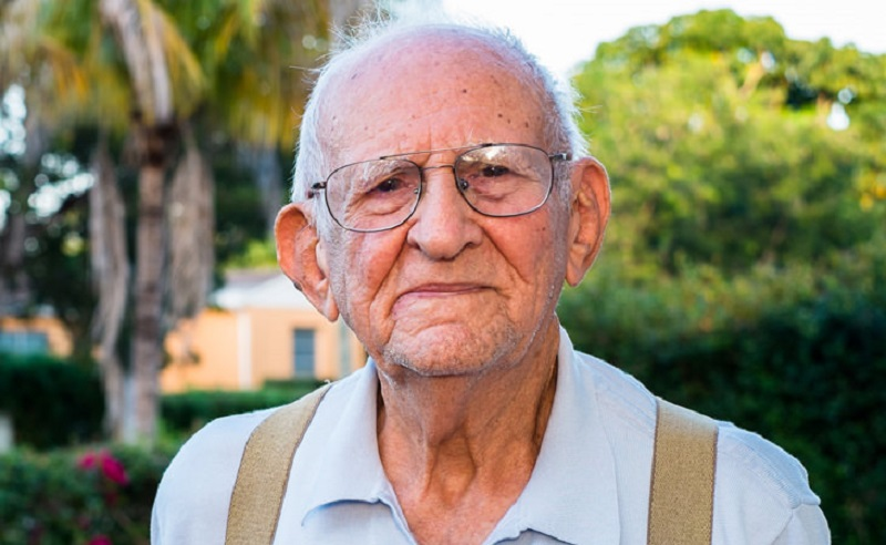 https: img.okezone.com content 2021 10 14 481 2486286 hari-penglihatan-sedunia-2021-perdami-ingatkan-bahaya-amd-bagi-lansia-hYpPXxDJCG.jpg