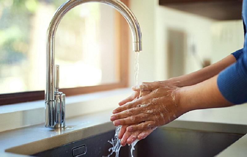https: img.okezone.com content 2021 10 14 481 2486332 prokes-cuci-tangan-pakai-sabun-tak-hanya-berlaku-saat-pandemi-DGZtYZSu6g.jpg