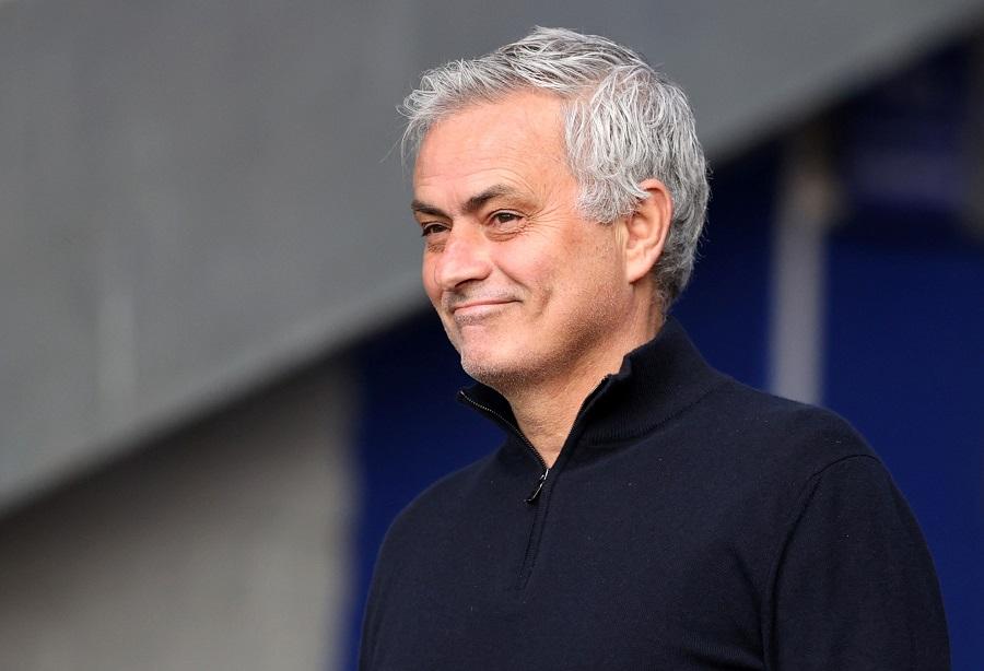 https: img.okezone.com content 2021 10 14 51 2486226 kisah-jose-mourinho-di-manchester-united-tak-berakhir-manis-jesse-lingard-ungkap-sisi-lain-the-special-one-d0fyFcjNRo.jpg