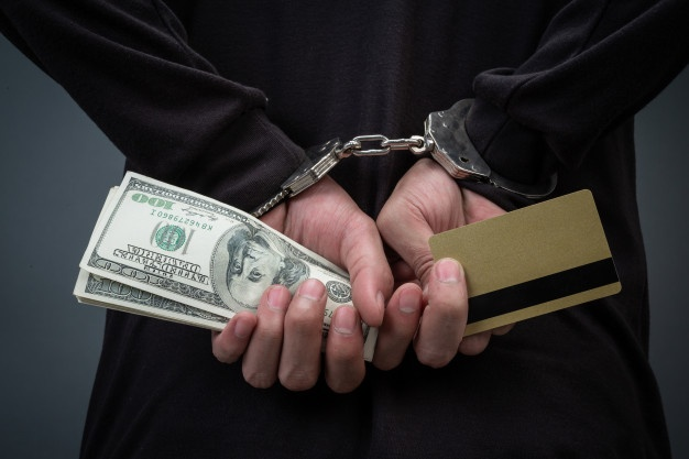 https: img.okezone.com content 2021 10 14 608 2486529 terima-gadai-emas-palsu-pegawai-pegadaian-dan-suaminya-dijebloskan-ke-penjara-EojhxcLoNb.jpg