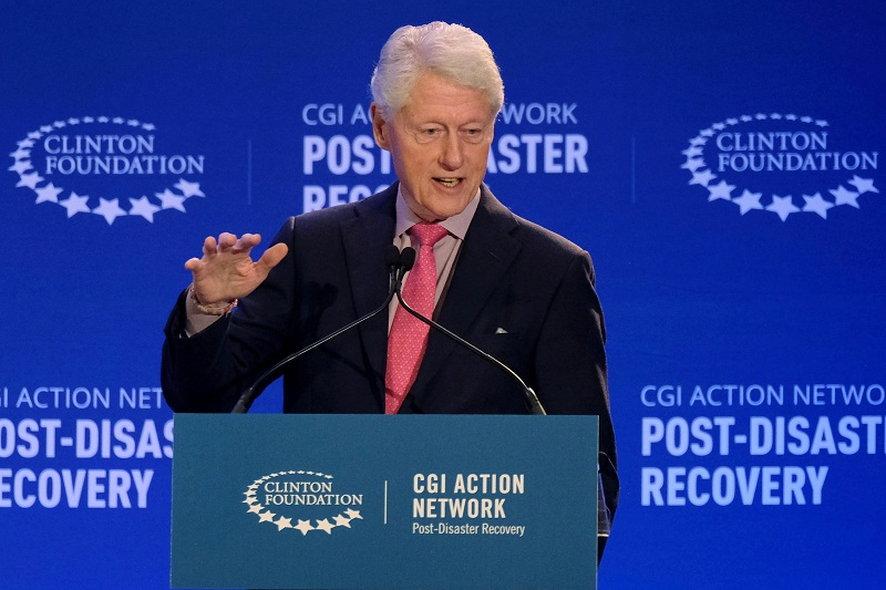 https: img.okezone.com content 2021 10 15 18 2486649 mantan-presiden-as-bill-clinton-dirawat-di-rumah-sakit-urukhryOcZ.JPG