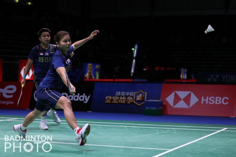 https: img.okezone.com content 2021 10 15 40 2486573 hasil-perempatfinal-piala-uber-2020-greysia-polii-apriyani-rahayu-menang-indonesia-tahan-thailand-1-1-uWdIyddW51.jpg