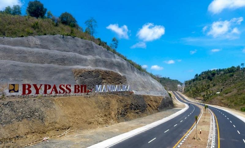 https: img.okezone.com content 2021 10 15 470 2486623 jelang-world-superbike-mandalika-bypass-bandara-internasional-lombok-diselesaikan-NIwwlsQo61.jpg