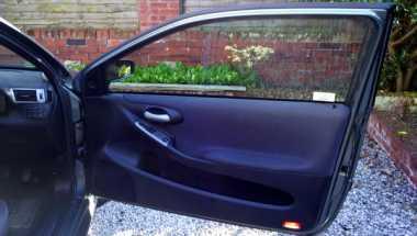 Rawat Pintu Mobil Agar Tak Bikin Repot