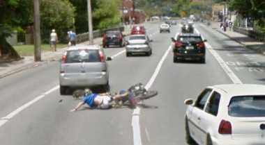 Google Street View Tangkap Gambar Kecelakaan Sepeda Motor