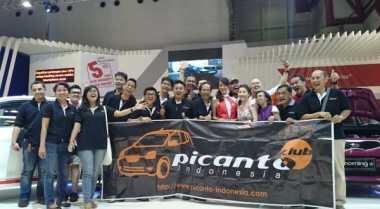 Komunitas Mobil Sambangi Booth Peserta IIMS