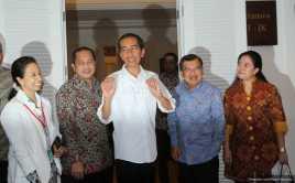 Jokowi Klaim Selesaikan Masalah Listrik Lewat Telepon