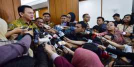 Ahok Akan Paksa Warga Jakarta Naik Angkutan Umum