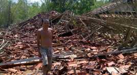 Puting Beliung di Bandung Tewaskan Satu Orang