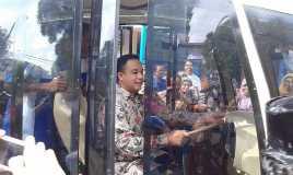 Mendikbud Luncurkan Dua Mobil Listrik Karya SMK Muhammadiyah