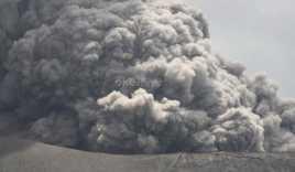 Hujan Debu Vulkanik Kembali Landa Ternate