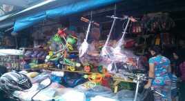 Libur Panjang, Pedagang Mainan Pasar Gembrong Kebanjiran Order