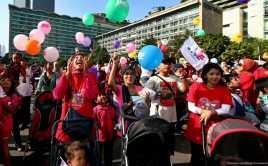 Hari Ibu, Keluarga DPRD DKI Berkunjung ke Panti Jompo