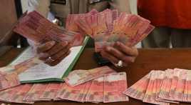 Tekanan Dolar AS Paksa Rupiah ke Rp12.461