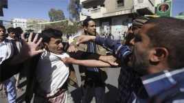 Puluhan Ribu Warga Yaman Gelar Demonstrasi Tolak Houthi