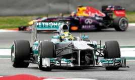 Mercedes Khawatirkan Red Bull