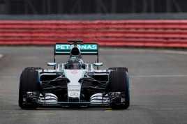 Juara F1 Pamerkan Mobil Terbarunya
