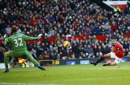 Gol Offside RvP Buka Pesta Gol United