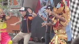 Menikmari Waktu di Bali Bersama Marquez Pedrosa