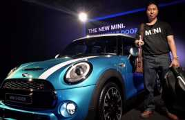 Pria Indonesia Ini Koleksi Empat Mini Cooper