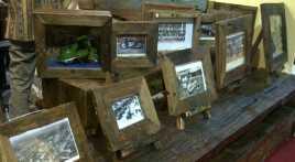 Jeli Berbisnis Furnitur Antik dari Kayu Bekas
