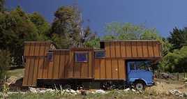 Truk Hino Disulap Jadi Rumah Tinggal Mewah