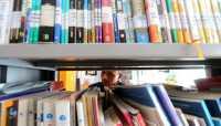 Wakaf Ribuan Buku & Manuskrip di Hari Buku Dunia