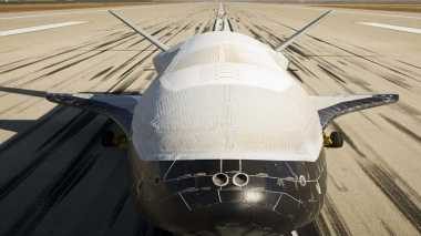 Amerika Lepas Pesawat Luar Angkasa X-37B untuk Mematai Satelit Komunikasi