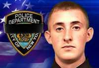Polisi New York yang Tertembak Akhirnya Tewas