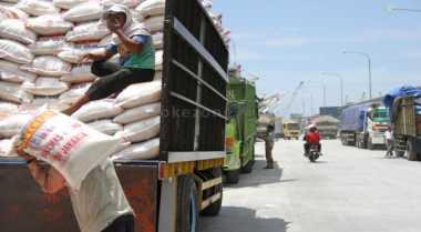 \Beras Plastik Bukti Keamanan Pangan Indonesia Minim\