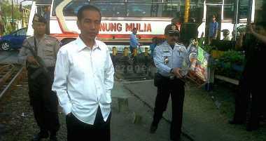 \      Jokowi Targetkan Investment Grade dalam 12 Bulan   \