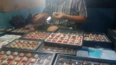 \Pemburu Batu Akik di Yogyakarta Diminta Urus Izin Pertambangan\