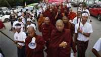Ratusan Orang Gelar Demo Anti-Rohingya