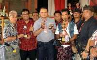Jemari Wakil Bupati Tabanan Dihiasai Tiga Batu Akik