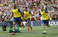 Arsenal Bombardir Pertahanan Villa di Babak Pertama