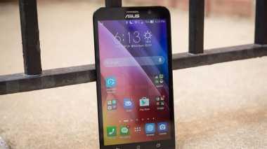 Empat Smartphone dengan Perekam Audio Stereo