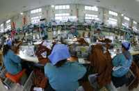 Fenomena Pingsan Massal Ratusan Buruh Pabrik Garmen