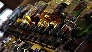 \Bea Cukai Akan Awasi Rokok & Minuman Beralkohol dari Batam\