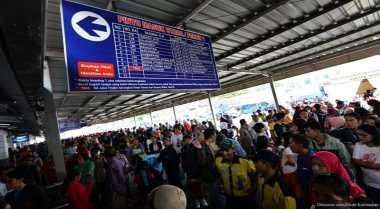 \Jelang Lebaran, Tiket Kereta Api Malang-Jakarta Habis Terjual\