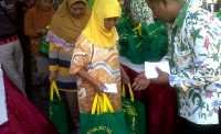 Baznas Bangkalan Salurkan 2.100 Paket Zakat